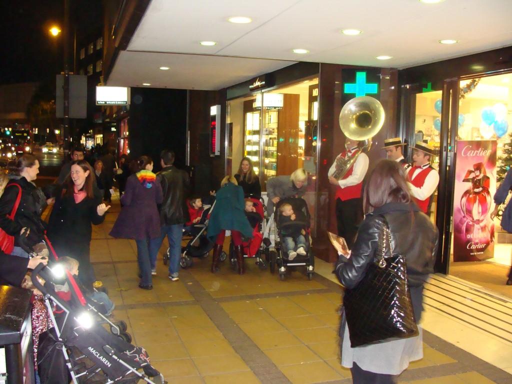 Silk Street Jazz band perform at Elys Wimbledon